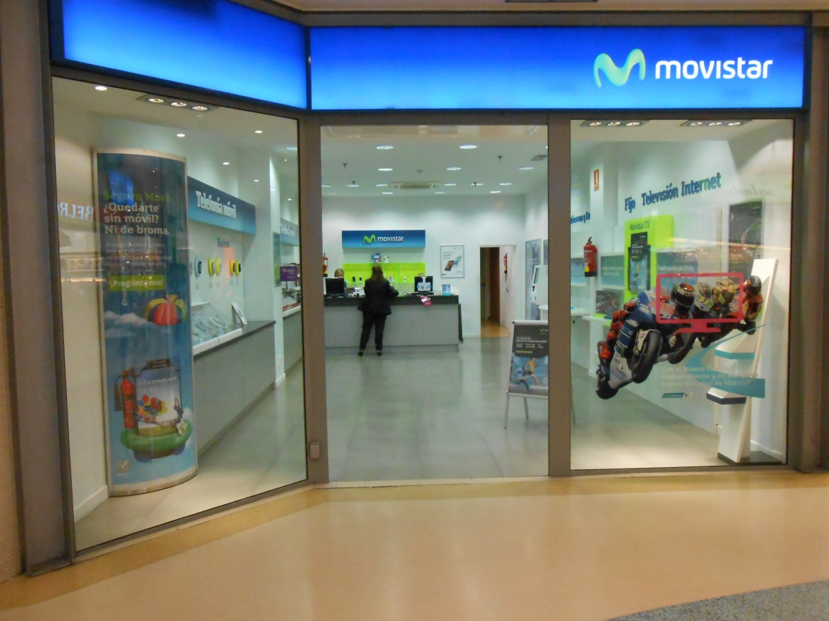 Movistar Centro Comercial Travesía